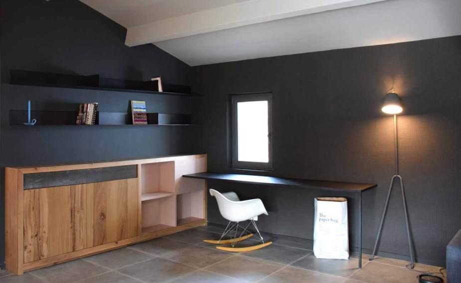 étagère et bureau