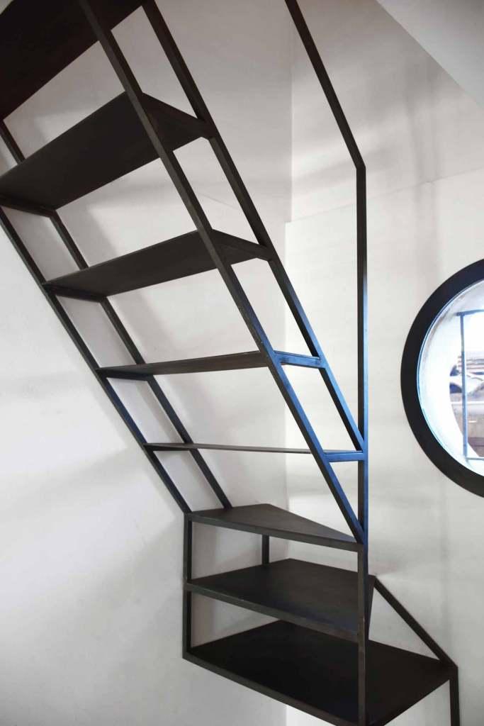 Structure escalier en carré d'acier - Sorgues (84)