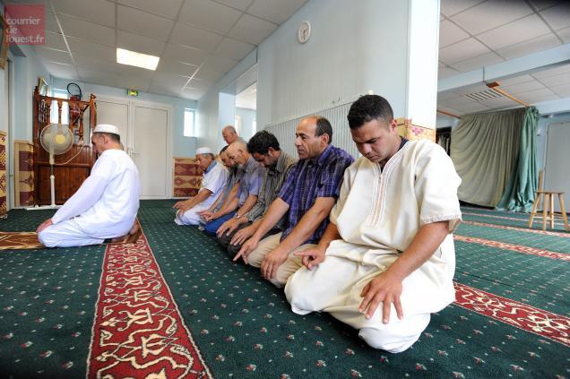 La mosquée de Niort est régulièrement débordée. Photo Marie Delage / LE COURRIER DE L'OUEST