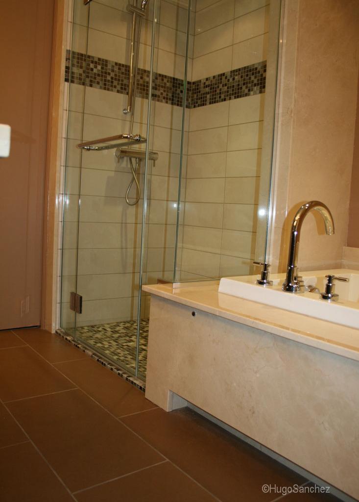 Curbless Shower Pan Cramiques Hugo Sanchez Inc