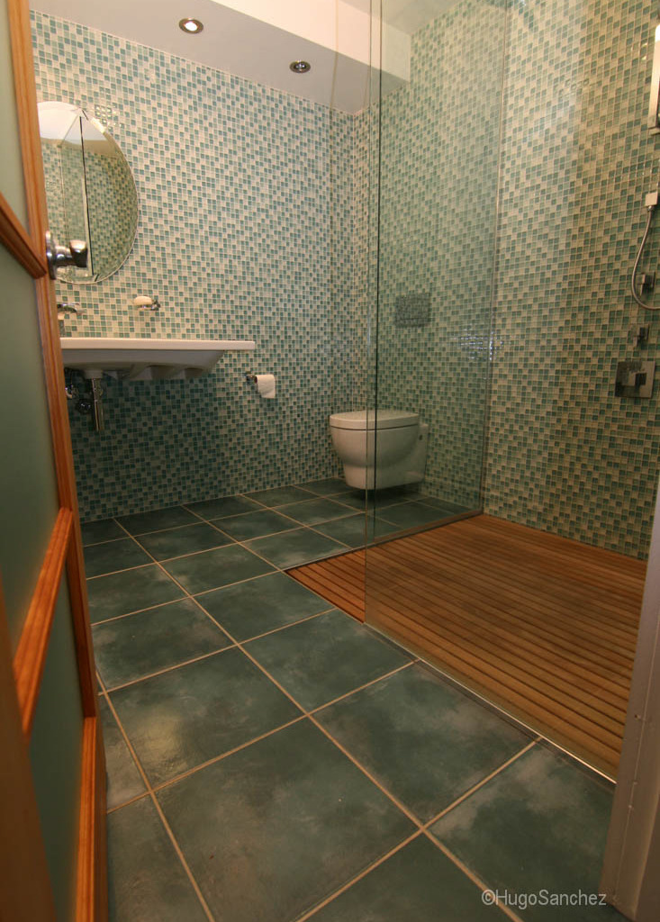 Duckboard Shower C 233 Ramiques Hugo Sanchez