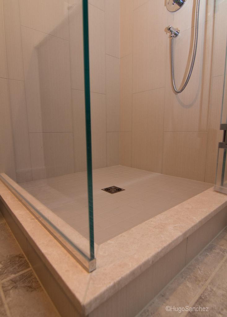 Tile Shower Renovation Cramiques Hugo Sanchez