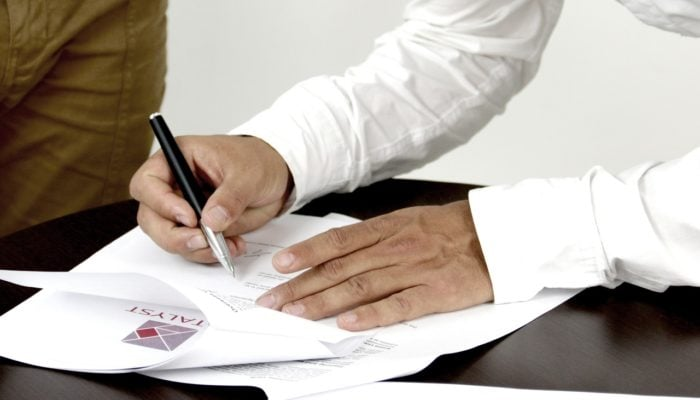 signature-2003808_1280-700x400