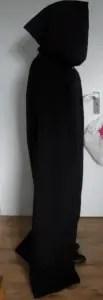 Gothic mantel zijkant