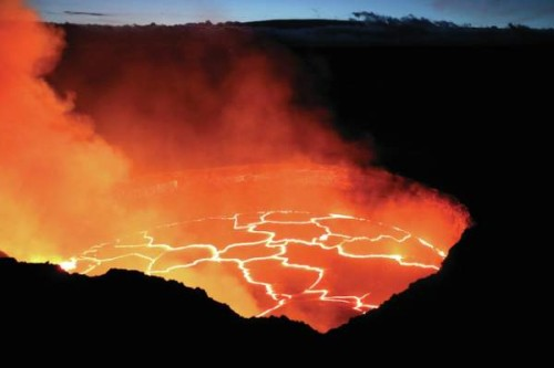 4283281_web1_hawaii-lava-lake_chri