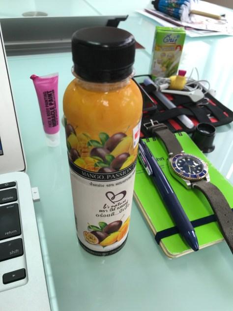 MangoとPassionfruitのジュース