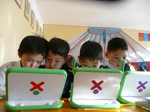 Kids Using XOs / Mongolie