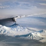 Kamchatka-Volcano-erupts-on-Earth