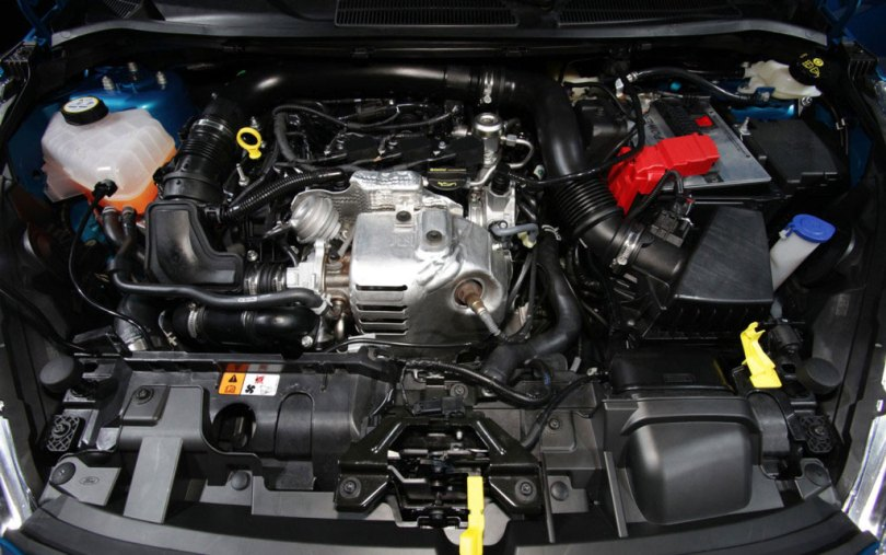 fascinate-ford-fiesta-under-the-hood-1024x6411