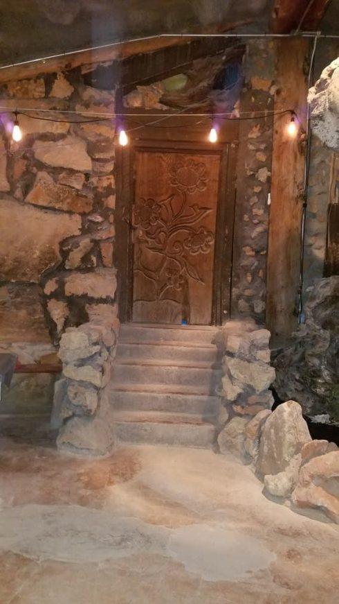 La Kiva Back Door