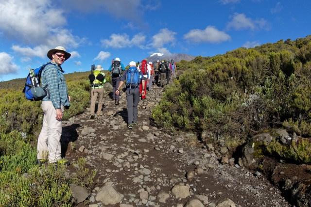 Die ersten Schritte auf dem Weg zur Kibo Hütte