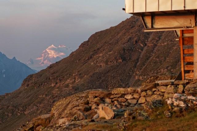 Auch Nordend und die Dufourspitze sind in der Ferne gut zu sehen