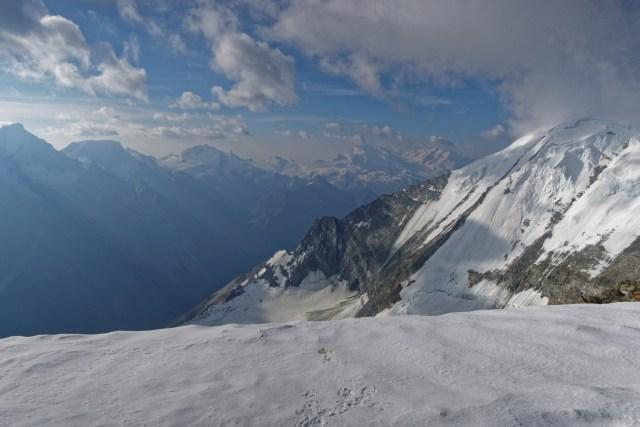Blick vom Gipfel nach Süden zur Monte Rosa Gruppe