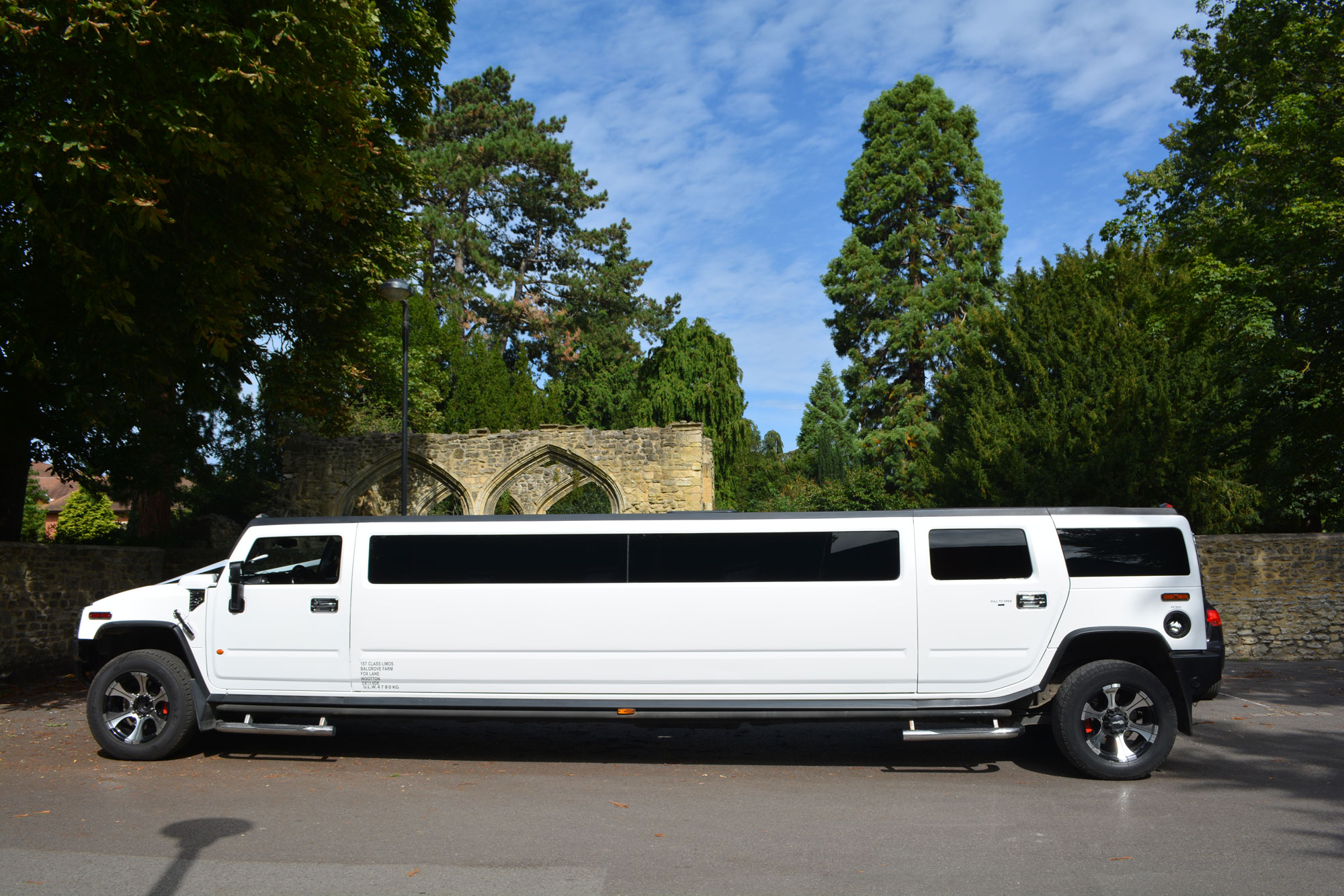 15 Seat White Hummer H2 Limousine Hummer Limo Hire Oxford