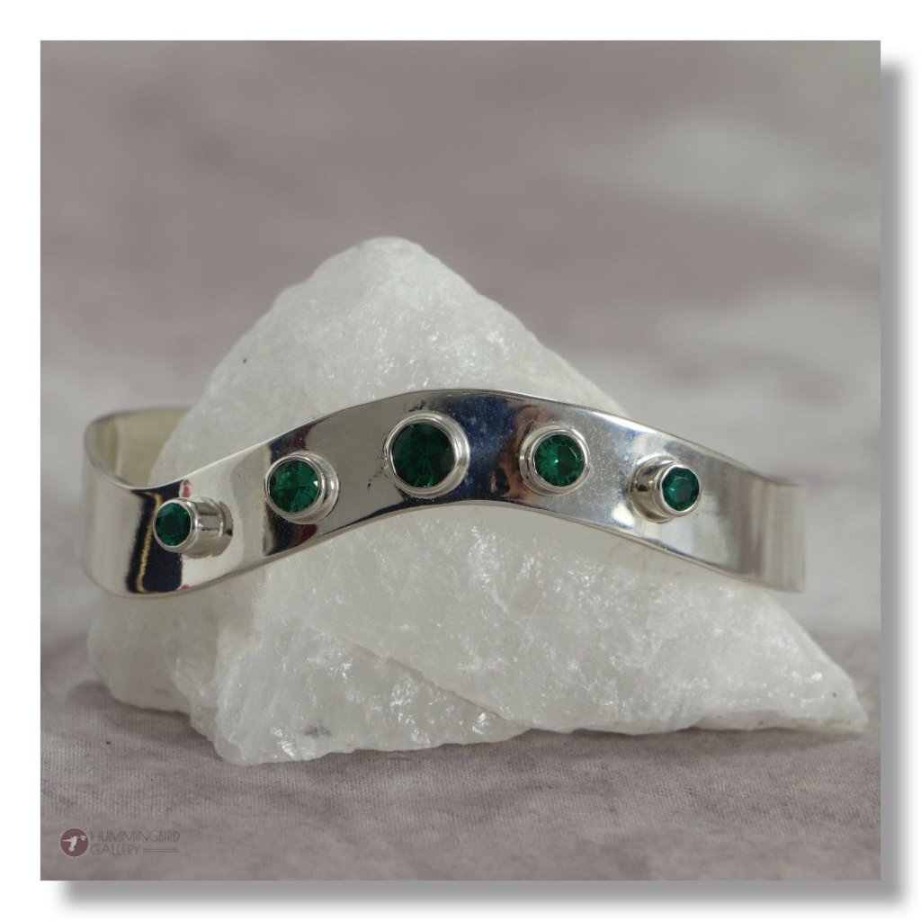 Hummingbird Gallery J0002-Ladies-Emerald-Sterling-Silver-Cuff-Smooth-Finish-with-5-Round-Cut-Emeralds-A Featured
