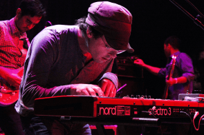 16 Clap Your Hands Say Yeah @ Cerro Bellavista 2015