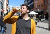 ذیابیطس کی ایک خطرناک قسم؛ مارک 80 گلاس پانی پیتے ہیں