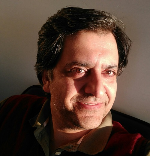 میں علی ظفر کے ساتھ ہوں