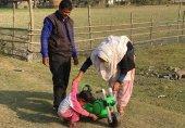 انڈیا: ہسپتال میں بدل جانے والے بچوں کا حقیقی والدین کے پاس جانے سے انکار