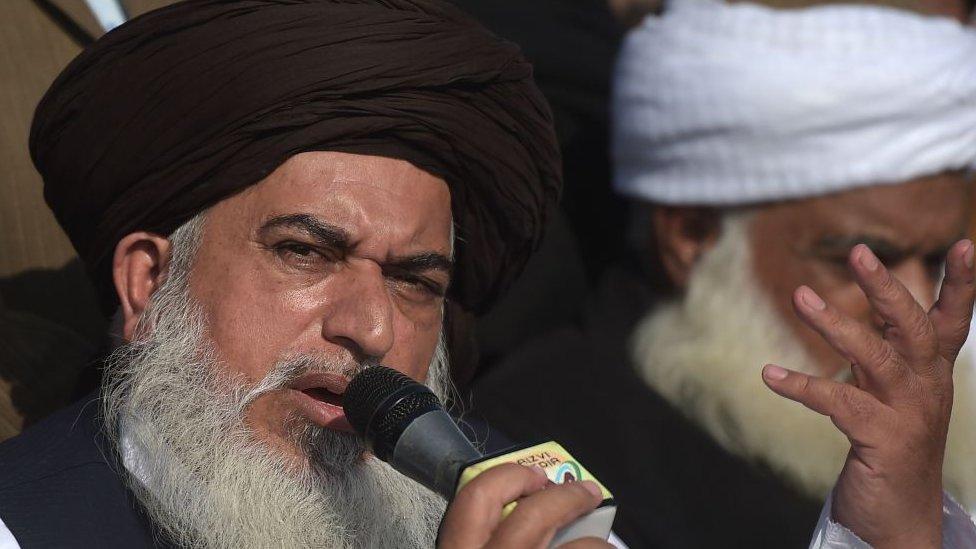 'اربوں روپے کی پراپرٹی تباہ اور انٹیلی جنس ایجنسی کو معلوم ہی نہیں کہ خادم رضوی کیا کرتا ہے'