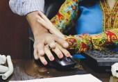پاکستان میں خواتین کو کام کی جگہوں پر کیسے ہراساں کیا جاتا ہے؟ خصوصی رپورٹ