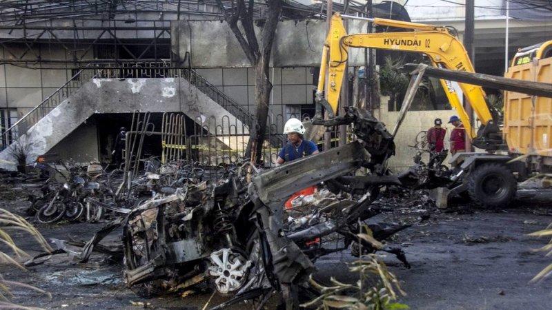 انڈونیشیا بم حملے