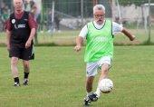 فٹ بال کھیلنا بزرگ افراد کے لیے نقصان دہ نہیں ہے؛ سائنسی تحقیق
