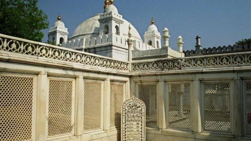 اورنگزیب کا مقبرہ