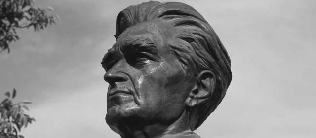 Statue d'Emil Cioran (Rășinari - Roumanie)