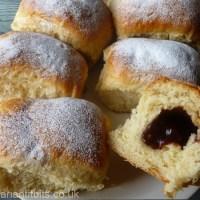 Sweet Jam Filled Buns - Lekváros bukta