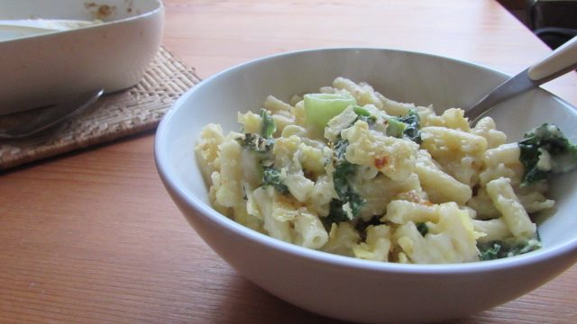 Recipe: Mac 'n' Cheese with Leeks & Kale