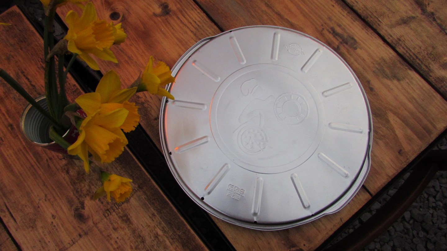 Dusty Knuckle reusable pizza boxes