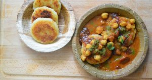 Aloo-Tikki-Chole-Recipe