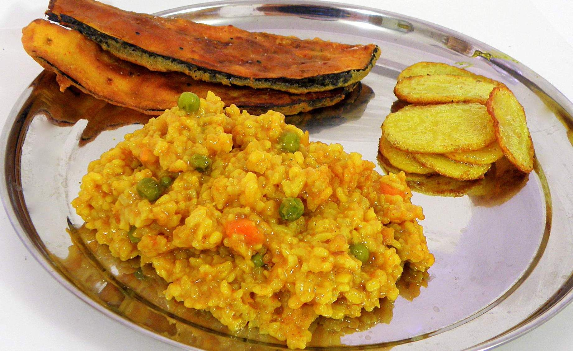 Bengali moong dal khichdi recipe bengali khichuri hungryforever bengali moong dal khichdi recipe forumfinder Images