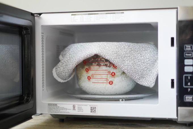 how to cook rice in a microwave w