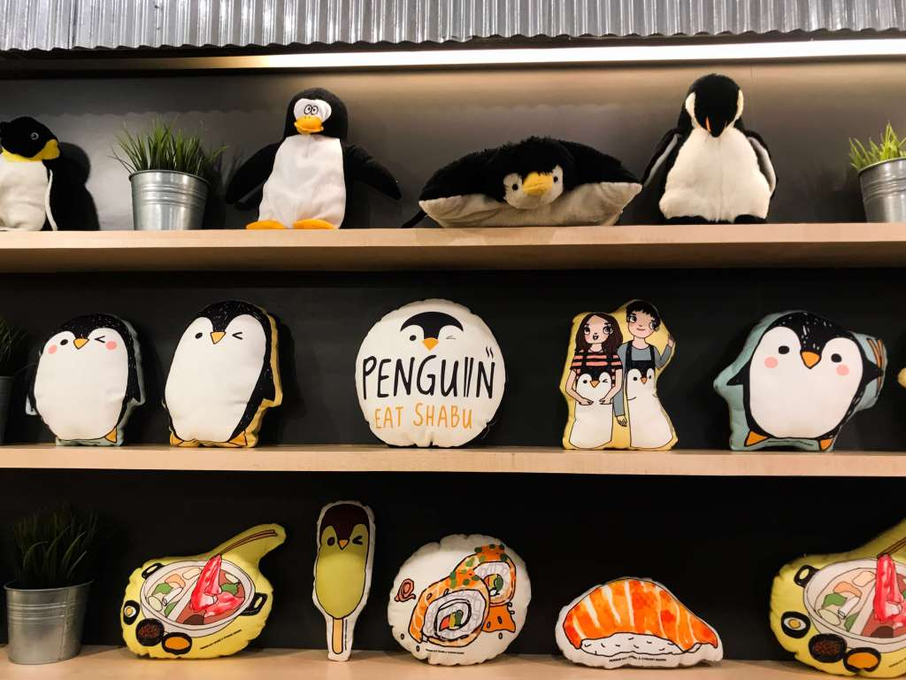 Penguin-Eat-Shabu-Bangkok