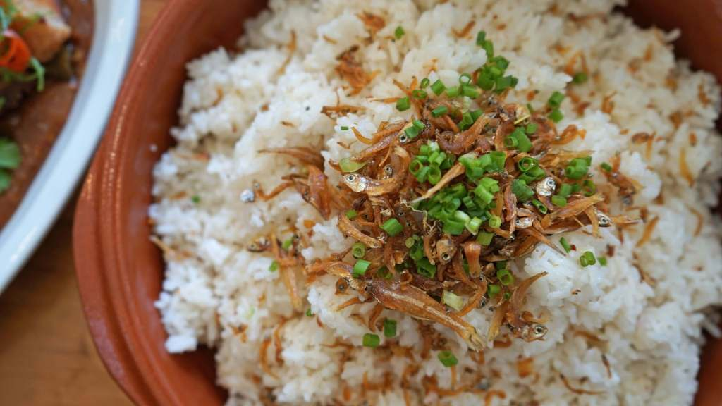Ombu Kusina Filipino Restaurant - Dilis Rice