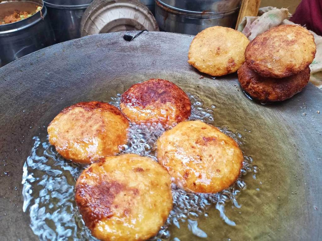 A Chef's Tour Delhi Food Walk - Old Delhi Food Tour - Mirchivada