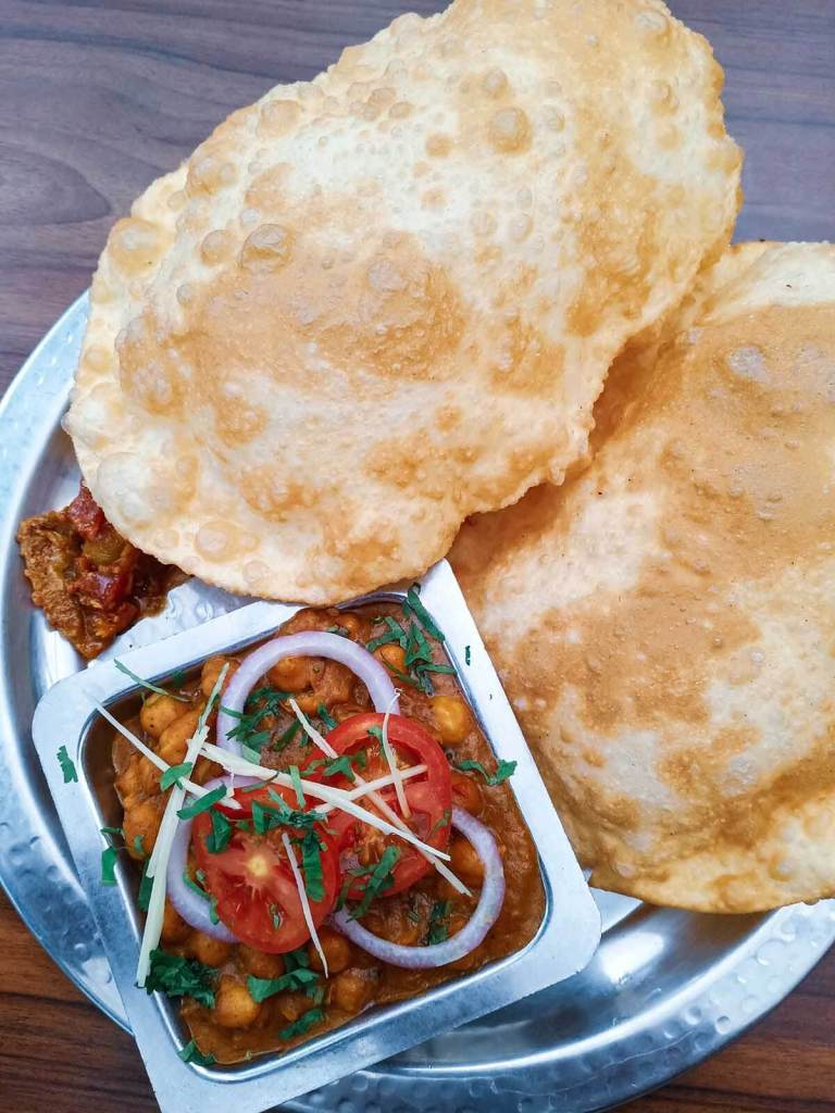 Royal Indian Curry House Eastwood - Chlollay Bhature