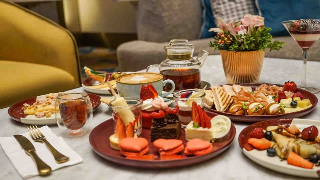 Hilton Choco Berry High Tea