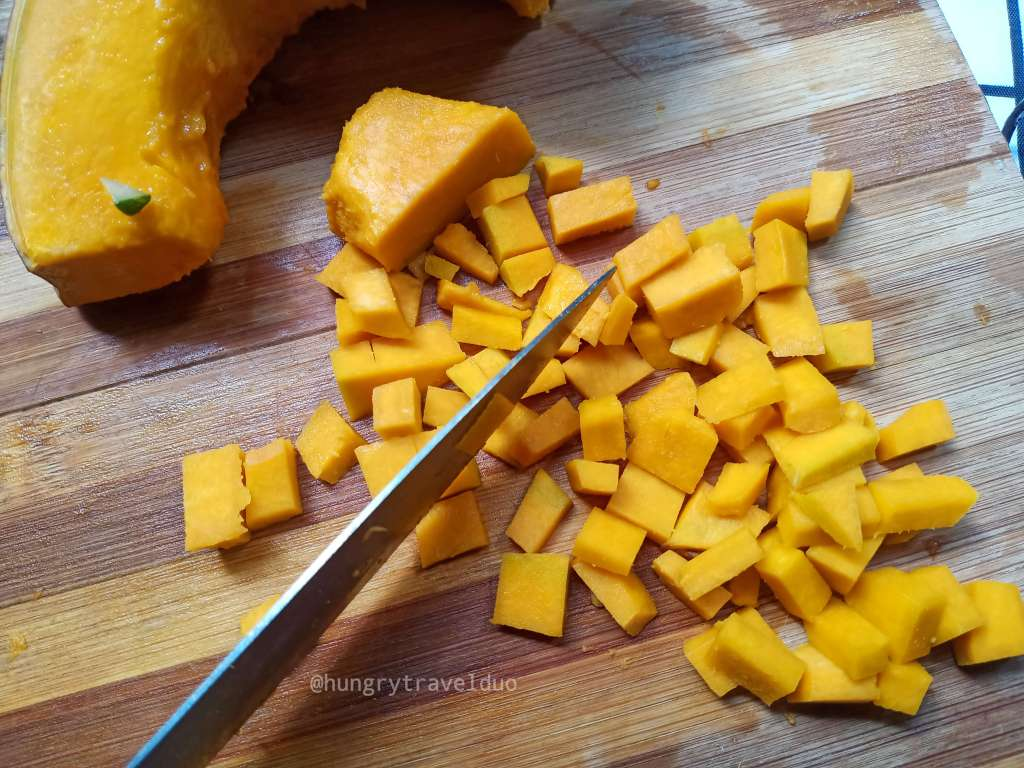 slicing squash | Local Bites Online Cooking Class | by hungrytravelduo.com