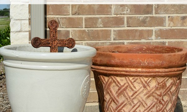 Outdated Terra Cotta Pot to French Country Classic