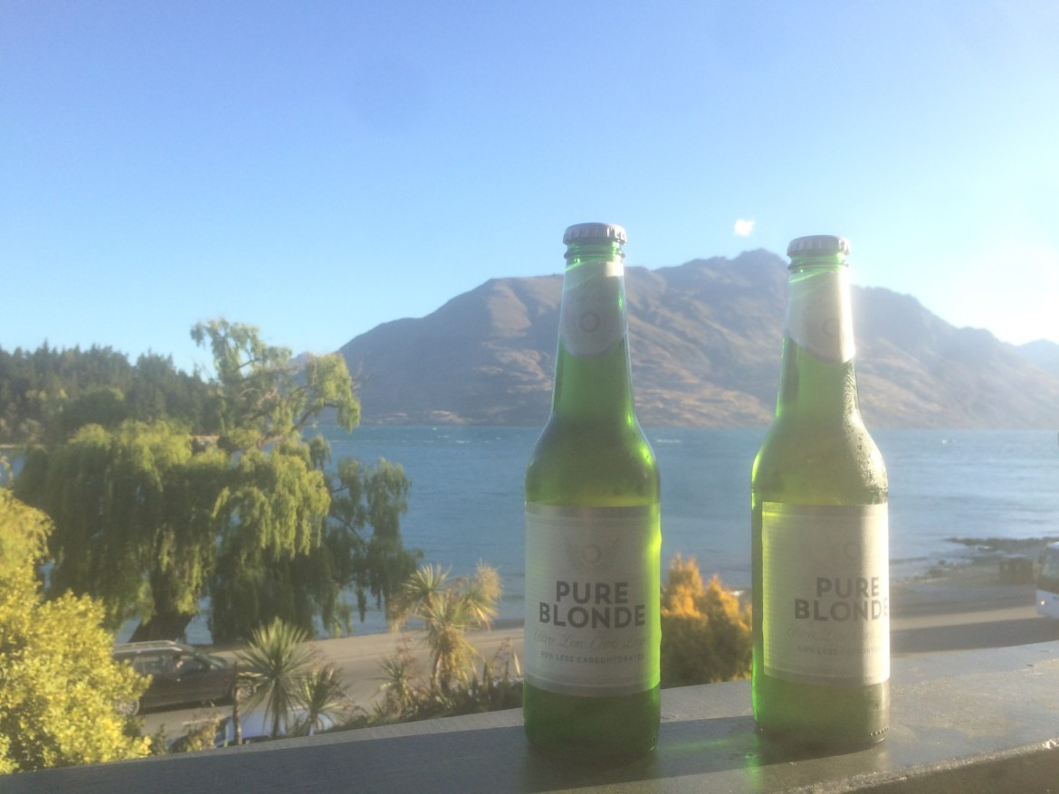 New Zealand, Queenstown, hostel, beer