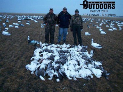 This mixed party group managed to be the high field for the year with this 103 bird day on a South Dakota snow goose hunt 3/24/07
