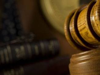 Former Judge Accuses IP Court of Using 'Pirate' Microsoft Software