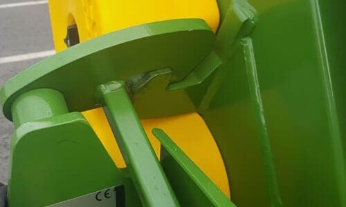 round bale feeder heavy-duty-latches