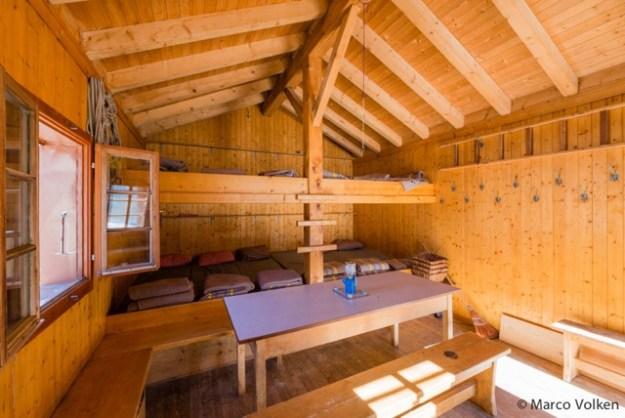 Aiguillette Singla Hut, Swiss Alpine Club, hut2hut