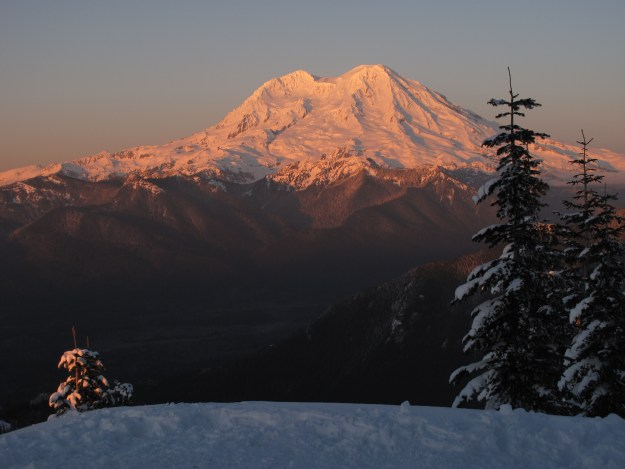 Mt Rainier, viewed from High Hut, Mount Tahoma Trails Association, hut2hut