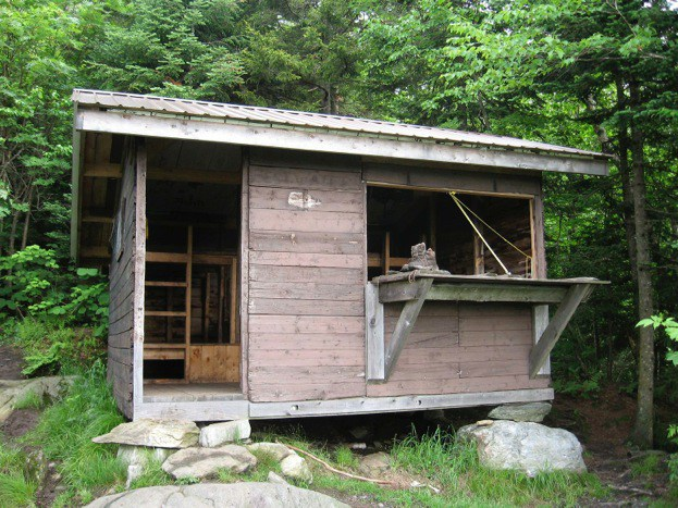 Tillotson Camp Shelter, Green Mountain Club Shelters, hut2hut