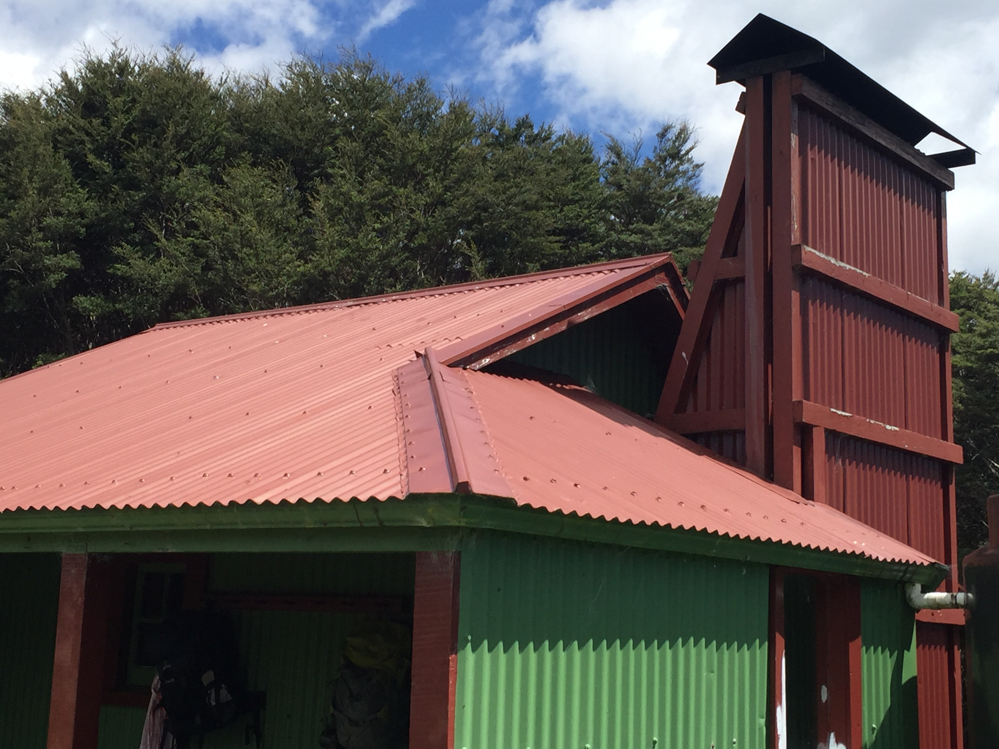New Zealand Huts - how many? What kinds? What do they look like?